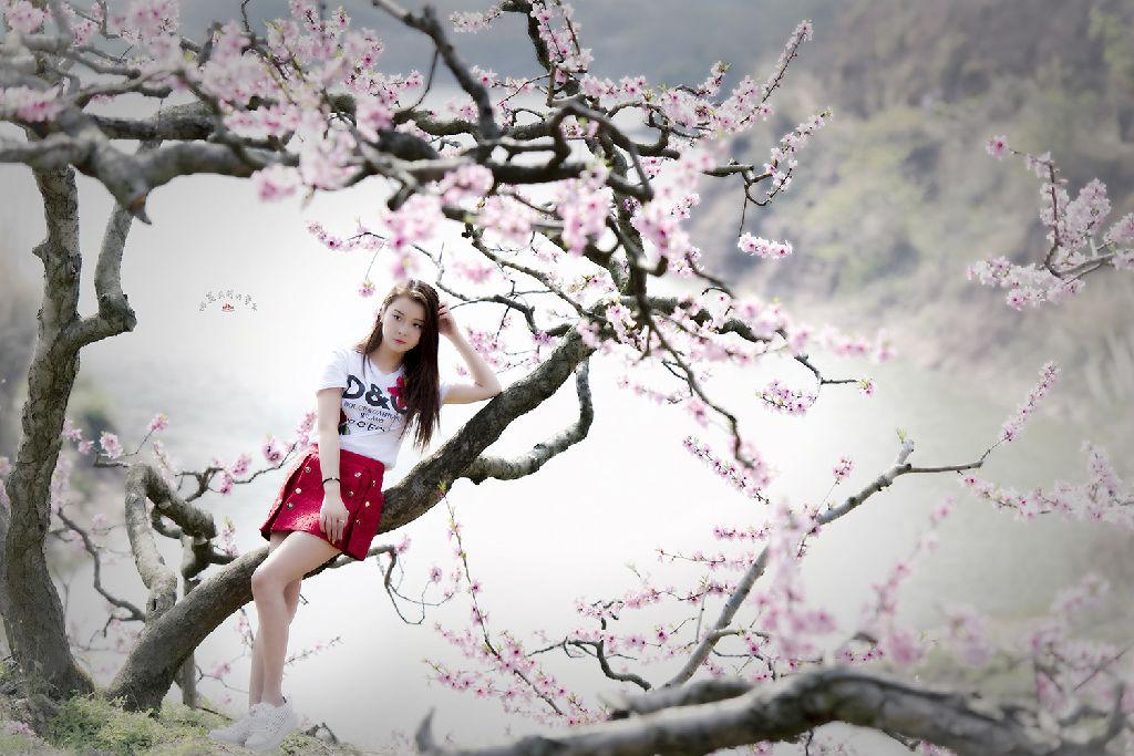 桃花盛开的季节_宝狮湖作业-桃花盛开的季节 - 人像摄影 - 摄影论坛 - 迪比特摄影网