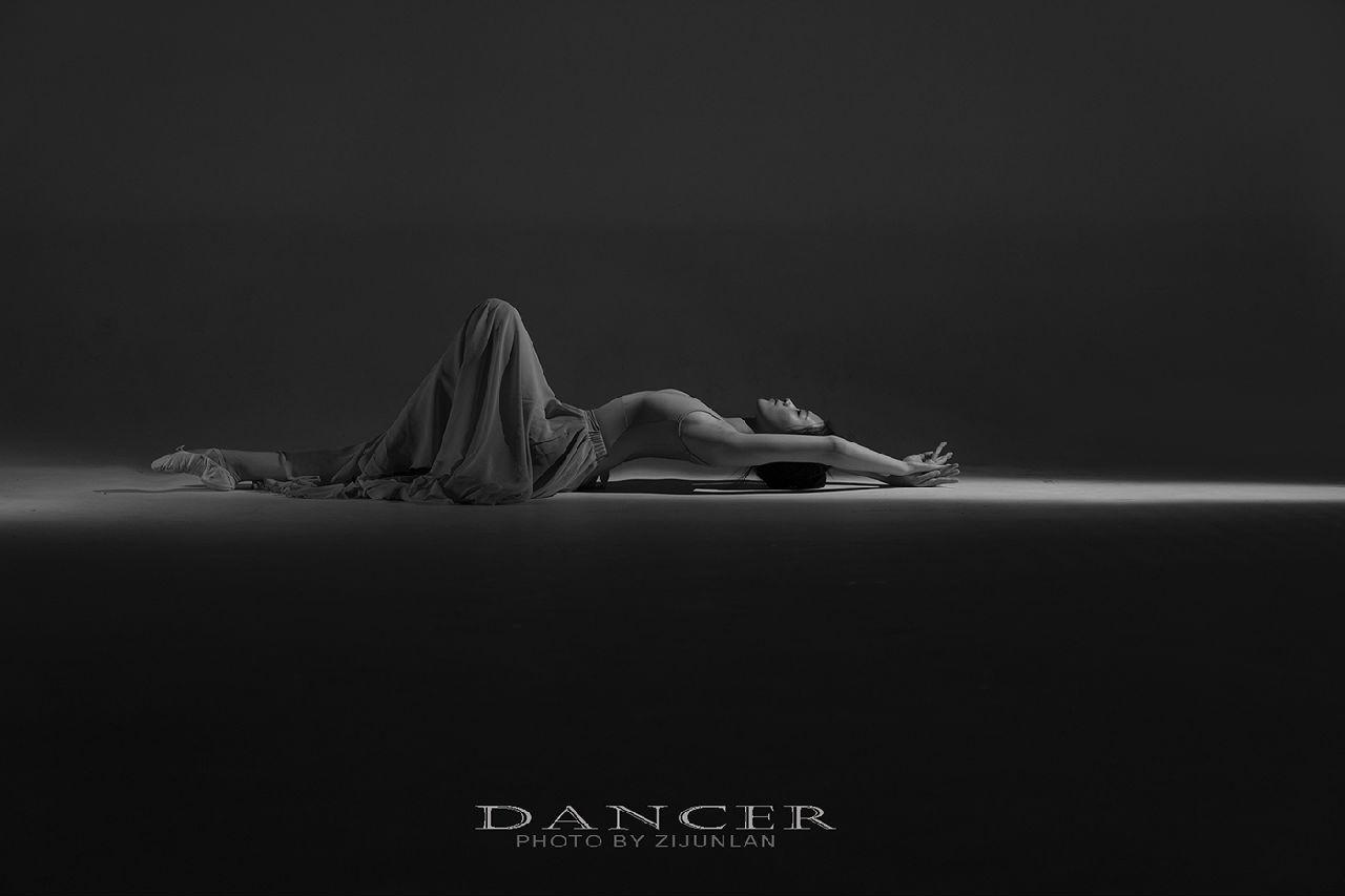 黑白光影——舞之魅力